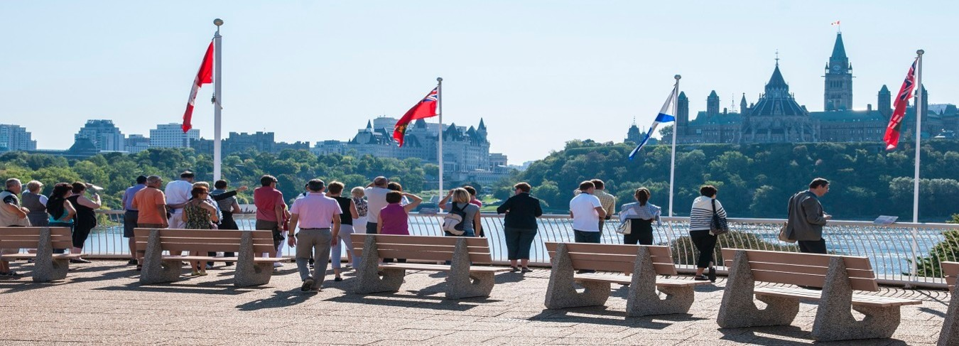 ON - CMC-Canadian-Museum-Civilization-summer-lookout-parliament-exterior-Credit-Ottawa-Tourism
